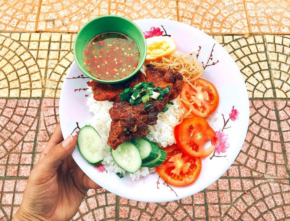 Cơm Tấm bụi Sài Gòn đê